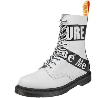 glany DR. MARTENS - DM 1490 SXP WHITE SEX PISTOLS BACKHAND (DM24785100)