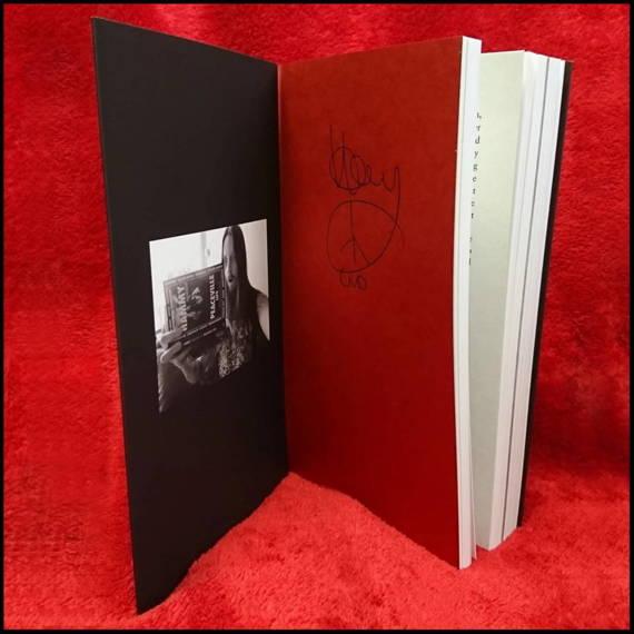 książka PEACEVILLE LIFE - Paul 'HAMMY' Halmshaw, wersja anglojęzyczna