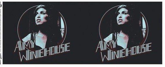 kubek AMY WINEHOUSE - RETRO BADGE